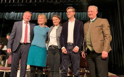 """Elefantenrunde"" der Bürgermeisterkandidaten in Stephanskirchen"